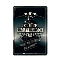Fiftiesstore Harley Davidson Things Are Different On A Harley - Metalen Postkaart