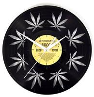 Fiftiesstore Vinyl Klok Wietblad Klein - Gemaakt Van Een Gerecyclede Plaat