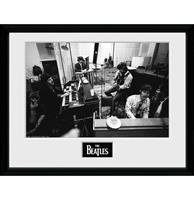 Fiftiesstore The Beatles: Studio Sgt. Peppers 30 x 40 cm Ingelijste Print