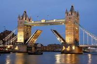 Dimex Tower Bridge Night Vlies Fotobehang 375x250cm 5-banen