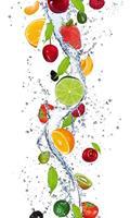 Dimex Fruits in Water Vlies Fotobehang 150x250cm 2-banen
