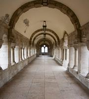 Dimex Ancient Corridor Vlies Fotobehang 225x250cm 3-banen